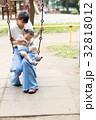 母親 育児  32818012