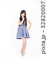 若い女性 ファッション ポートレート 32820007