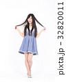 若い女性 ファッション ポートレート 32820011