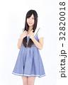 若い女性 ファッション ポートレート 32820018