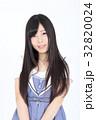 若い女性 ファッション ポートレート 32820024