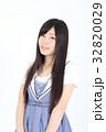 若い女性 ファッション ポートレート 32820029