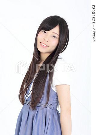 若い女性 ファッション ポートレート 32820032