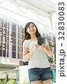 空港 人物 女性の写真 32830083