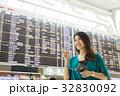 空港 人物 女性の写真 32830092