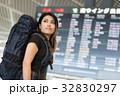 空港 人物 女性の写真 32830297