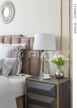 classic bedroom style with set of pillowsの写真素材 [32880533] - PIXTA