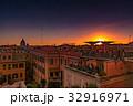 ローマの夕暮れ 町並み 32916971