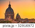 夕暮れのサンピエトロ大聖堂 32916972