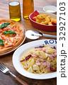 ピザ マルゲリータ イタリア料理の写真 32927103