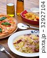 ピザ マルゲリータ イタリア料理の写真 32927104