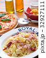 ピザ マルゲリータ イタリア料理の写真 32927111
