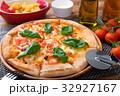 ピザ イタリアン マルゲリータの写真 32927167