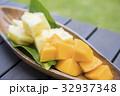 パインとマンゴー トロピカルフルーツ 32937348