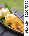 パインとマンゴー トロピカルフルーツ 32937349
