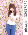 若い女性 ヘアスタイル 32937979