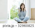 女性 ライフスタイル スマートフォンの写真 32960825