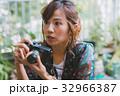 カメラマン フォトグラファー 女性の写真 32966387