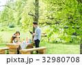 家族 ピクニック 屋外の写真 32980708