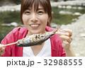 女性 レジャー 川の写真 32988555