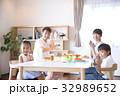 食事 ダイニングテーブル 食卓の写真 32989652
