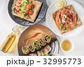そば粉のクレープ ガレット  galette French food 32995773
