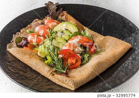 そば粉のクレープ ガレット  galette French food 32995774