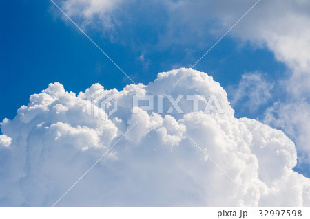 積乱雲 32997598