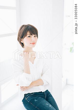若い女性のヘアスタイルイメージ  33005084