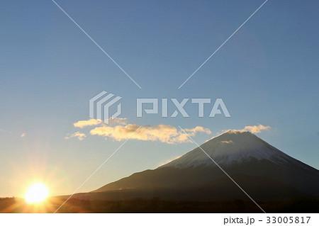 富士山と新年の光 33005817
