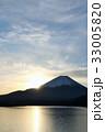 富士山と朝の光 33005820