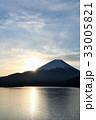 富士山と朝の光 33005821