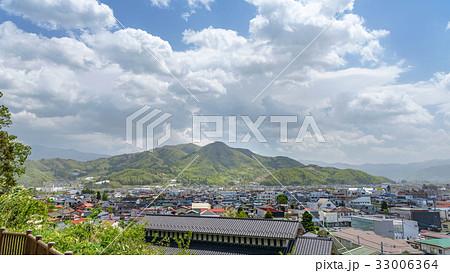 上山市街地の全景 33006364