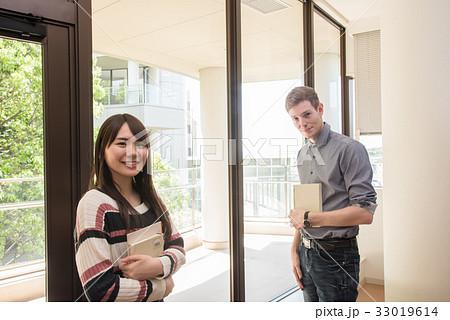 図書館で勉強するドイツ人留学生 33019614