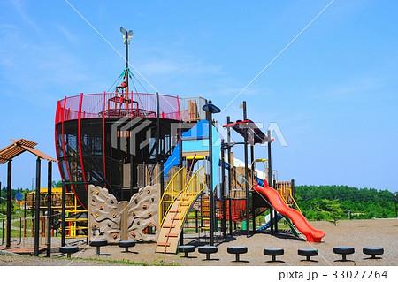 公園の遊具 33027264