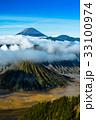 ブロモ 雲 噴火口の写真 33100974