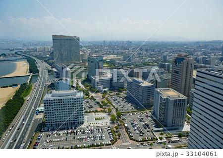 福岡タワー展望台から望むヤフオクドーム方面 33104061