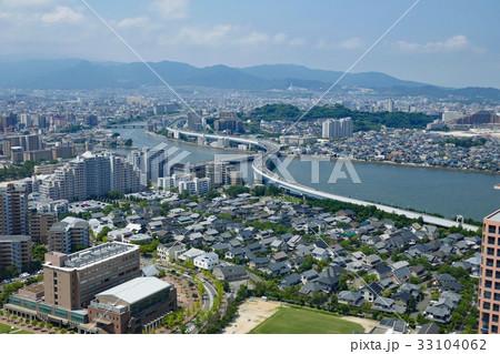 福岡タワー展望台から望む室見川 33104062