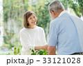 ガーデニング 夫婦 シニア ライフスタイル イメージ 33121028