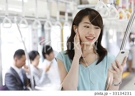 電車乗車イメージ 撮影協力「京王電鉄株式会社」 33134231