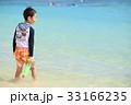海水浴を楽しむ子ども 33166235