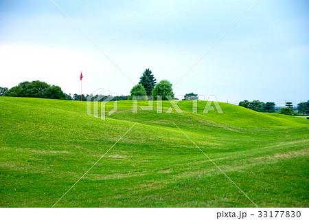 夏空 真夏のゴルフ場 33177830