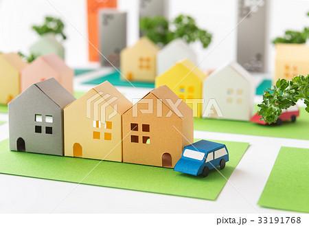 緑のある街 コミュニティ 町並み 住宅地 不動産 道路 ペーパークラフト 33191768