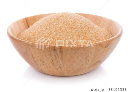 Brown sugar in wooden bolw isolated on whiteの写真素材 [33195533] - PIXTA