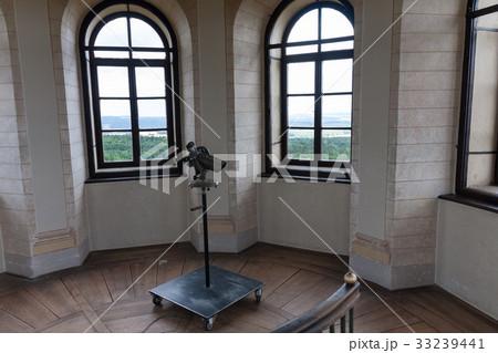 Telescope inside in lookout tower Babylonの写真素材 [33239441] - PIXTA