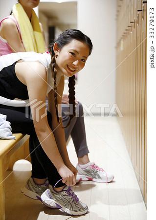 女子ロッカールーム 更衣室 33279173