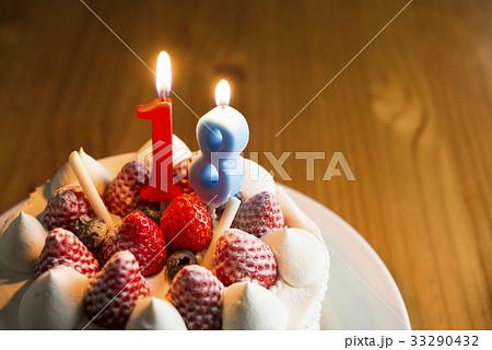 バースデーケーキ 18歳 33290432
