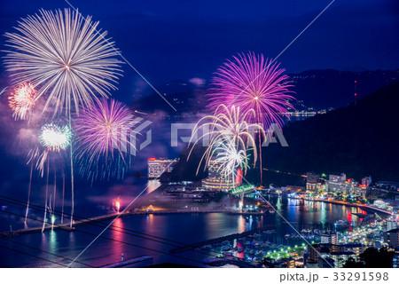 熱海100万ドルの夜景と海上花火 33291598