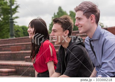 ドイツ人留学生と女子大生 33300218