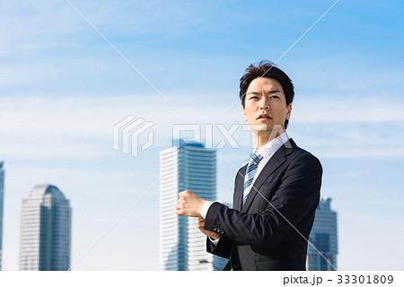 ビジネス 空とビル 33301809